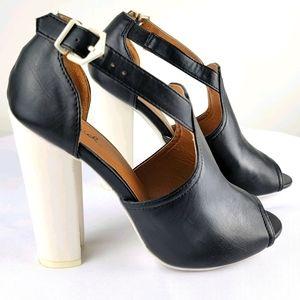 Qupid Black & White Heels